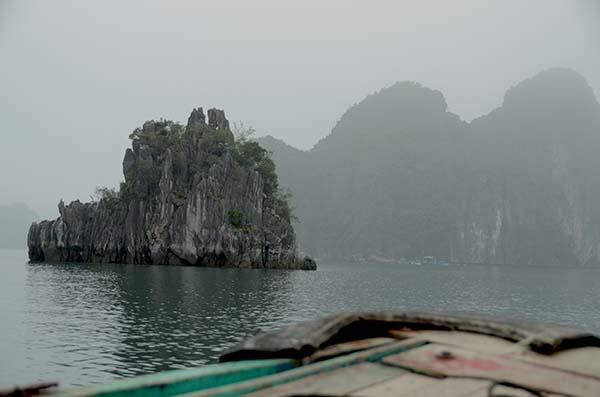 k k sur la baie d 39 along kayak karaok cat ba vietnam. Black Bedroom Furniture Sets. Home Design Ideas